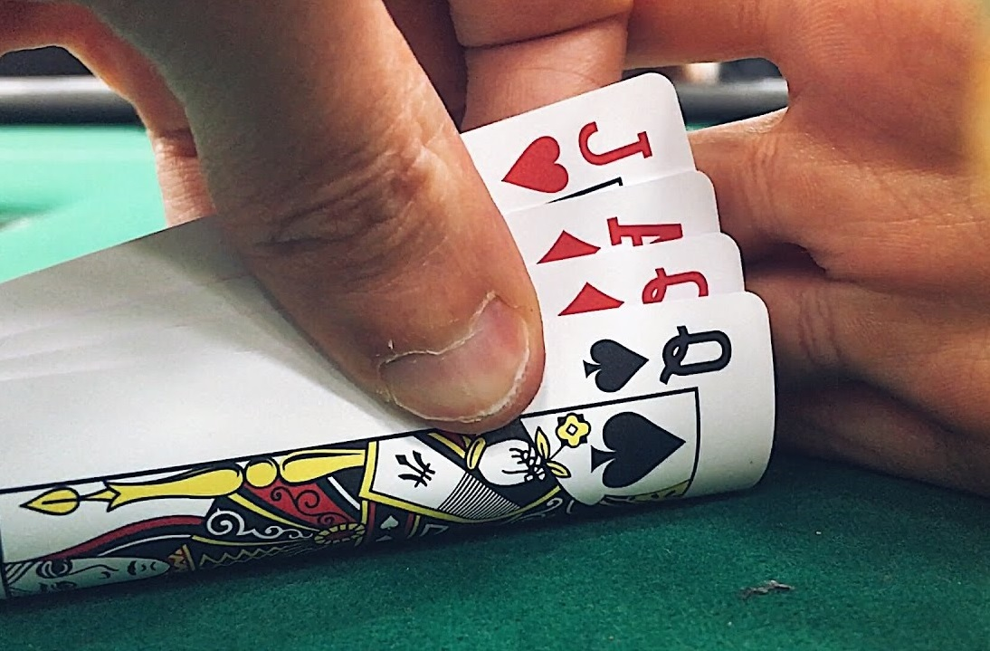 6 Key Differences Between Pot Limit Omaha  and No Limit Hold'Em